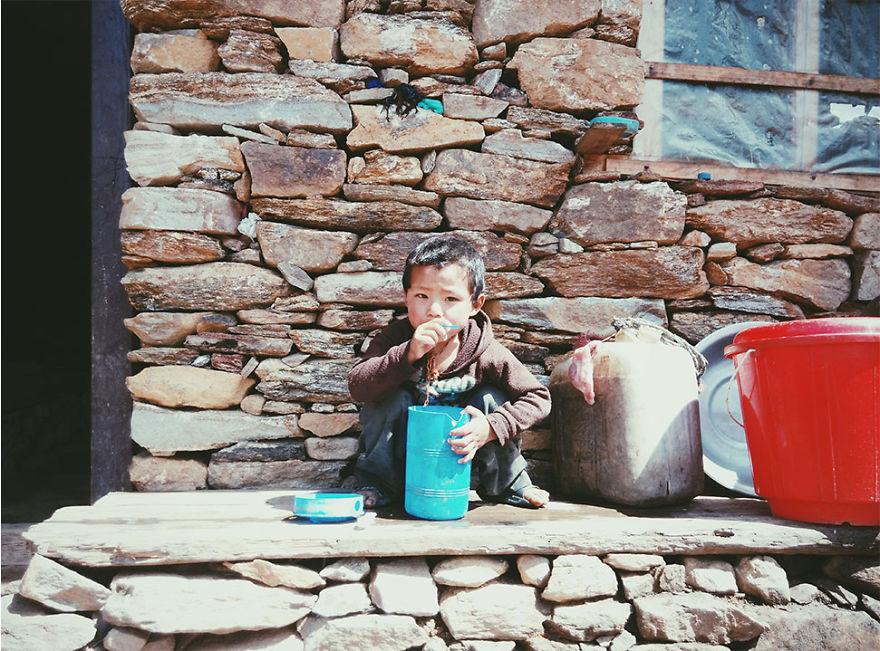 --------------------------------------------Kids-from-Nepal5  880 1