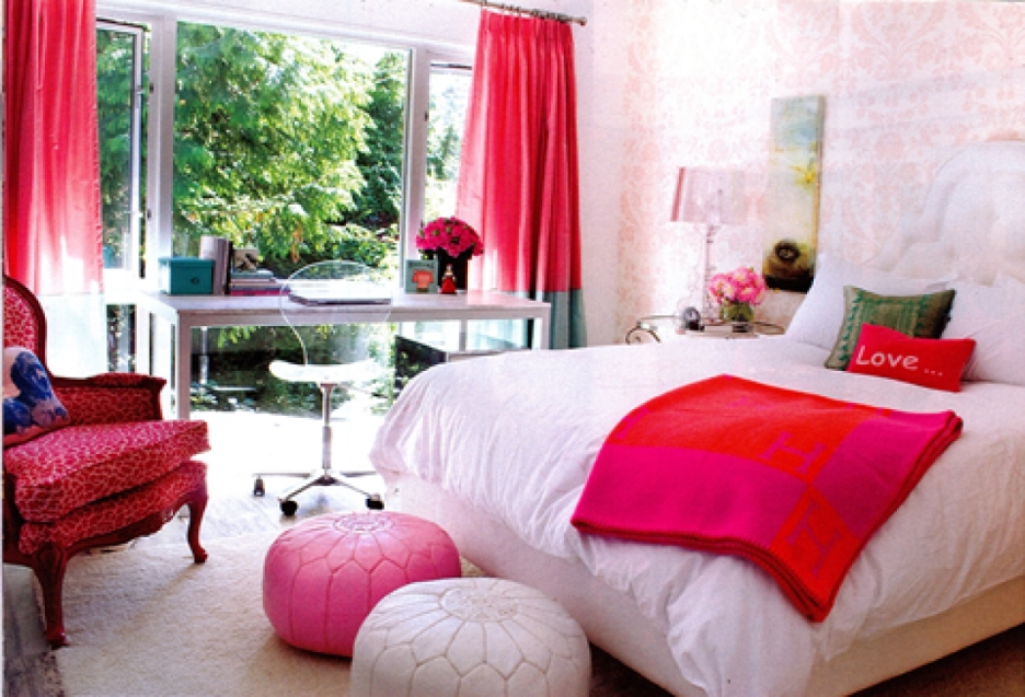 -------------------------------------------decoration in red 2 3