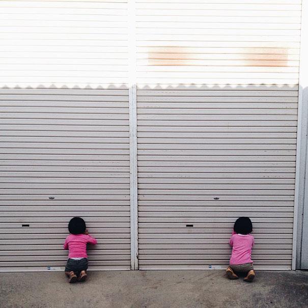 ---------------------------------------childhood-twin-sisters-family-pictures-sunmoooon-akira-oozawa-3