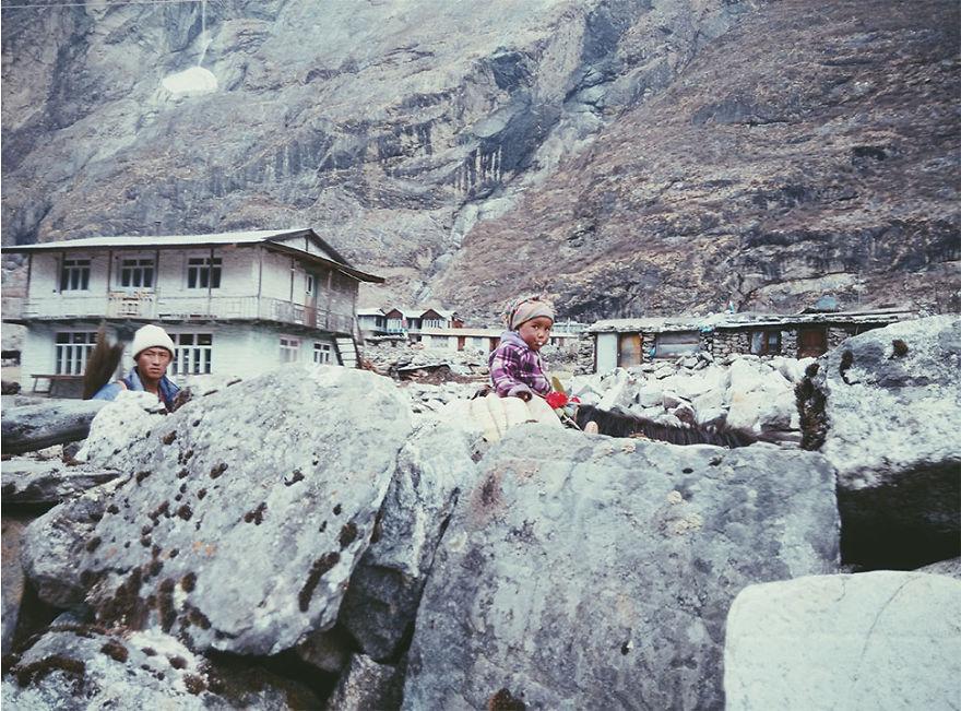 --------------------------------------Kids-from-Nepal13  880