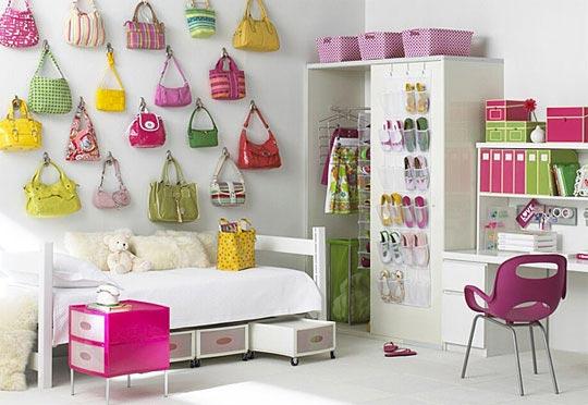 ----teenage girlroom 1