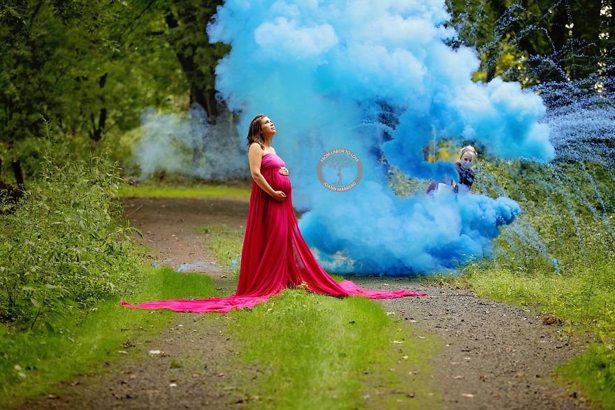 After 6 Miscarriages This Mom Finally Celebrated Her Rainbow Baby With A Colorful Photoshoot 57f2a8f04cfa9 880