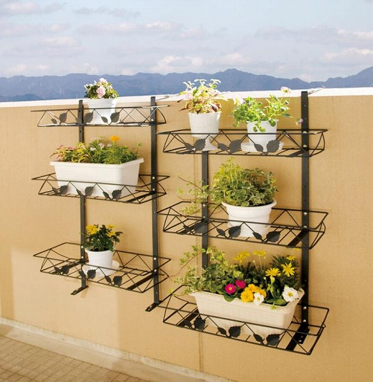 29 Hanging Flower Pot Plant Ideas To Enhance Your Verandah And Home Surroundings 14