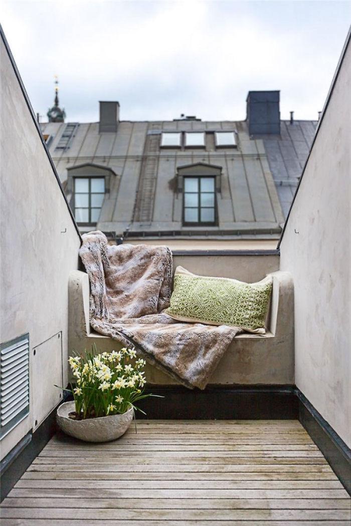 balcony decorating ideas 119 573db5da3613b 700