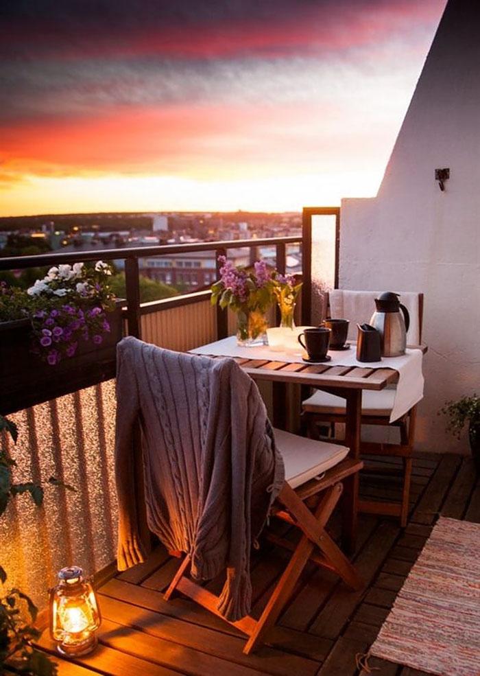 balcony decorating ideas 53 573d904fbcd09 700