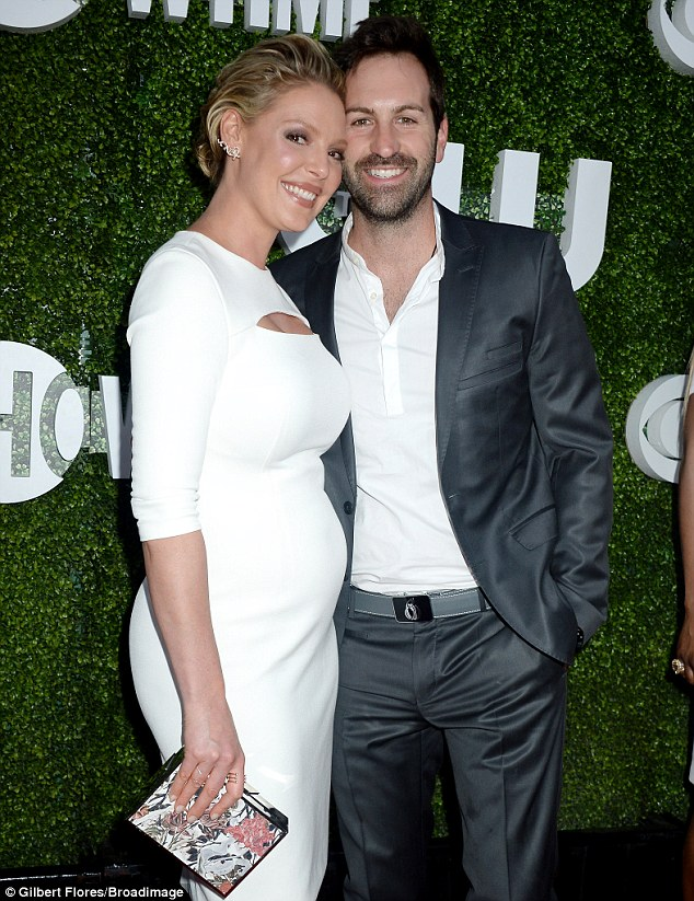 3718C27900000578 3734171 The former Grey s Anatomy actress posed alongside her husband of m 114 1470889425126