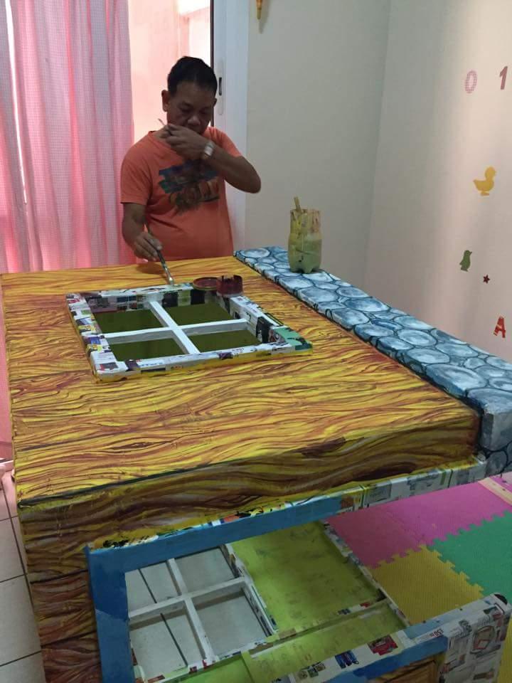 DIY cardboard playhouse 04