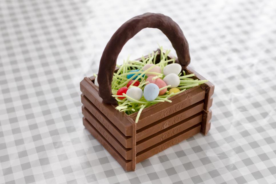 Original Heather Baird candy basket final 1.jpg.rend.hgtvcom.966.644