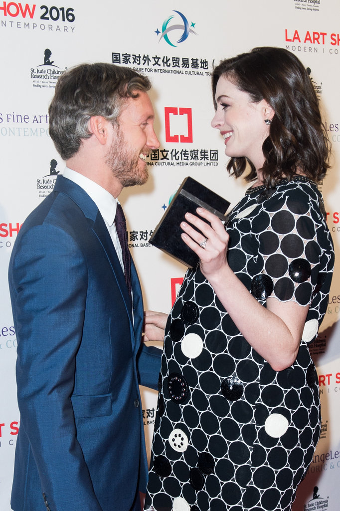 Anne Hathaway Pregnant Red Carpet January 2016