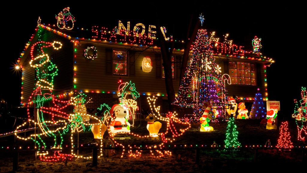 fiedler house christmas lights 1