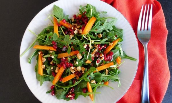 xristoygenniatiki salata me loto
