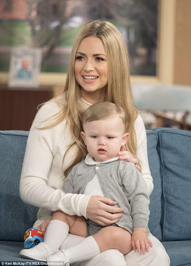 3D7BA4C900000578 4244952 The camera loves you baby Little Harlen White appeared alongside a 34 1487679849422
