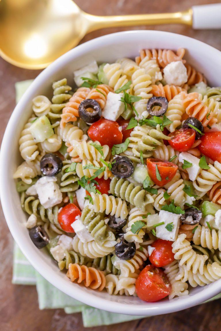 greek pasta salad 3 768x1152