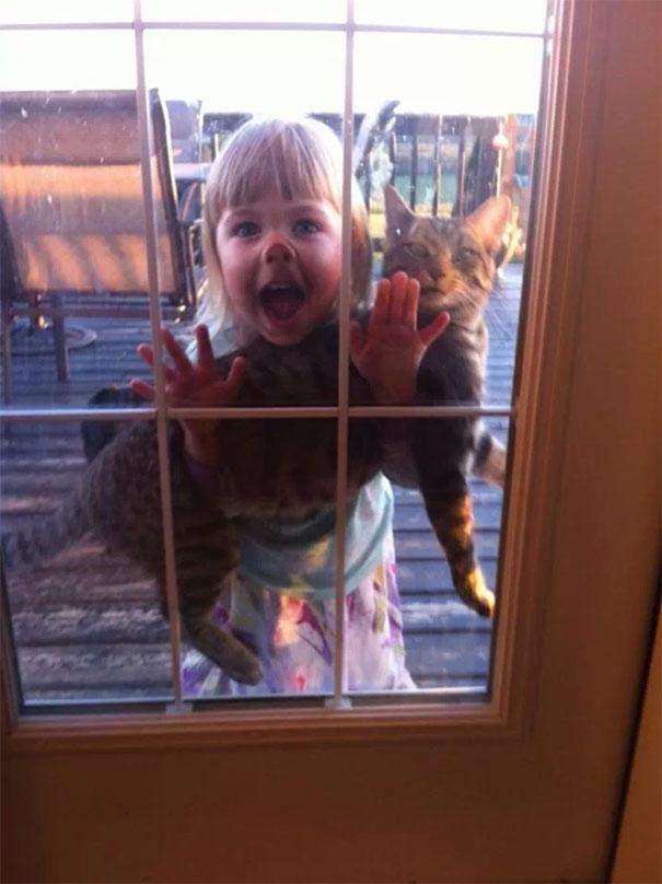 funny kids babysitting pets 3 58f71be6588aa 605
