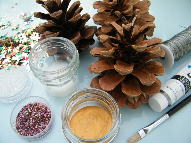 natural christmas tree decorations with pine cones dried flower ideas cone centerpieces 2017 decorating