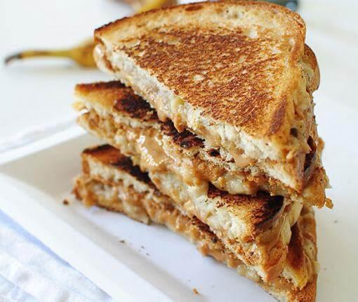 elvis agapimeno sandwich 2