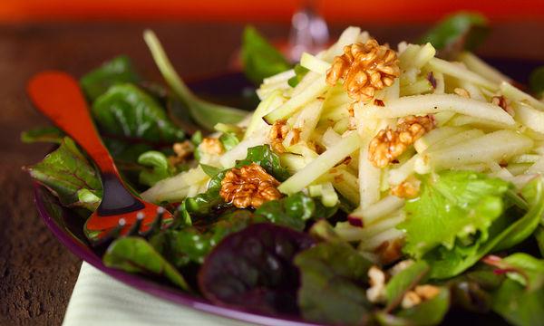 χristugenniatiki salata me milo