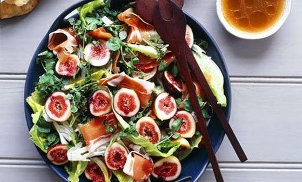 xristougenniatiki salata axladi prosouto
