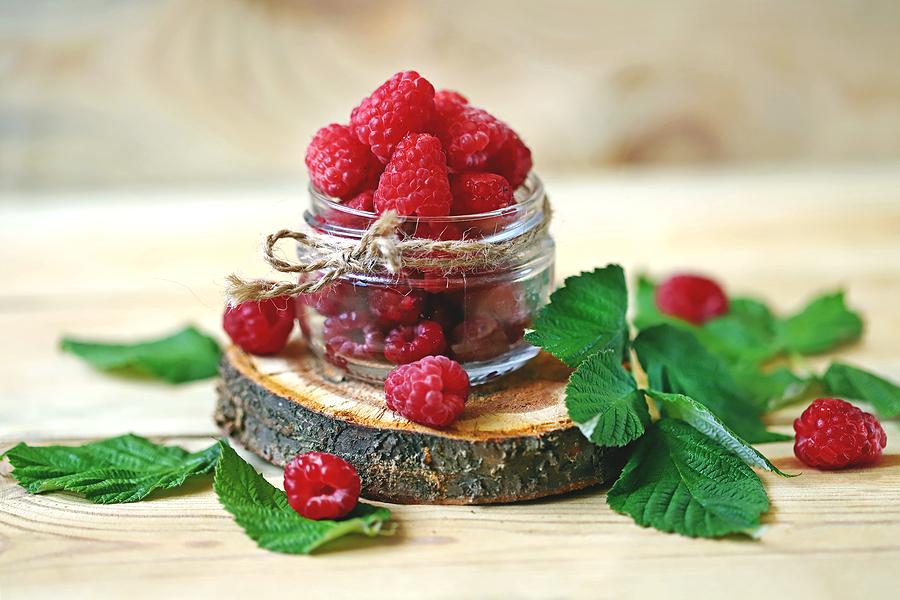 raspberry cake day 2