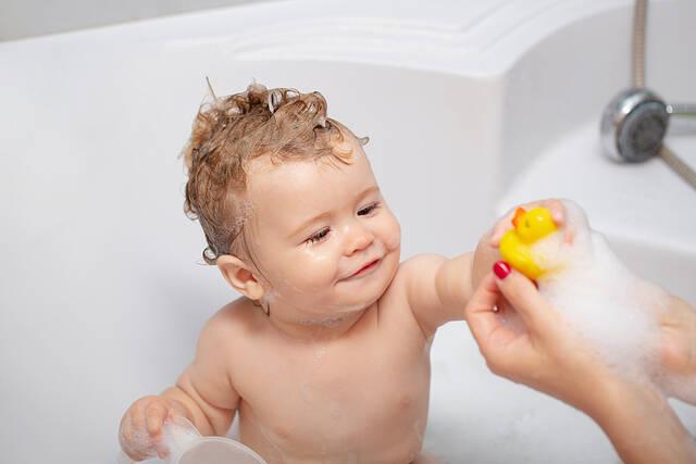 xeiropoihtio vrefiko sapouni 3
