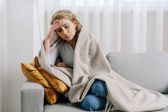 kriologima kai gripi pos tha to xehoriso apo covid 1