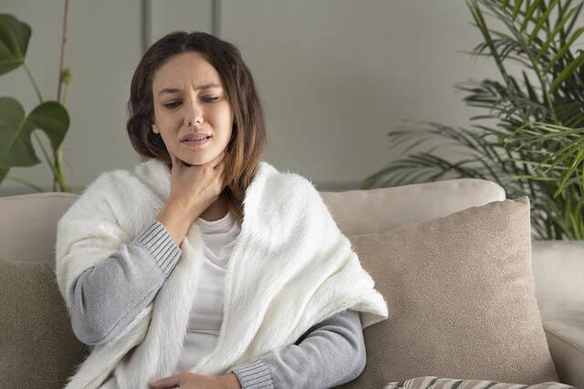 kriologima kai gripi pos tha to xehoriso apo covid 2