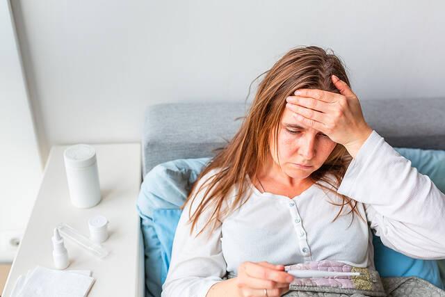 kriologima kai gripi pos tha to xehoriso apo covid 6