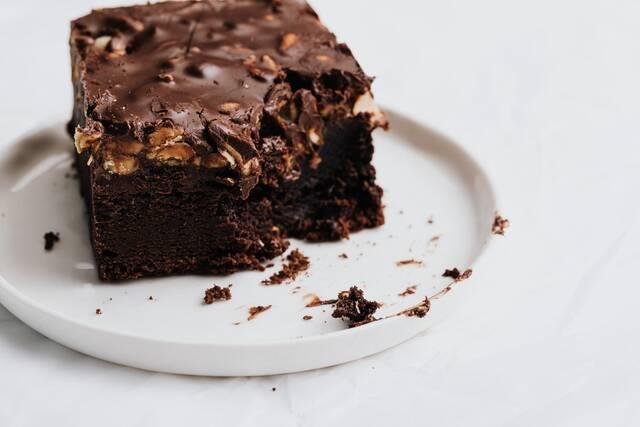 brownie sokolatas ston fourno mikrokumatwn 2