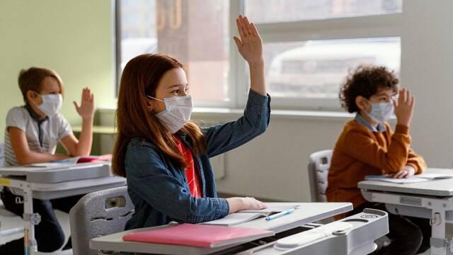 epistrofi sto sxoleio maskes antisiptika 1