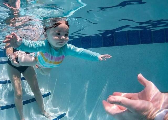 baby swimming 2 2021