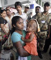 Το κοριτσάκι από την Ινδία με το τεράστιο κεφάλι, επιτέλους πάει σπίτι του!