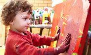 Είναι μόλις 3 ετών, Έλληνας και έκανε την πρώτη έκθεση ζωγραφικής