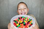 Προστατέψτε τα παιδιά από την κατάποση επικίνδυνων αντικειμένων και τροφών!