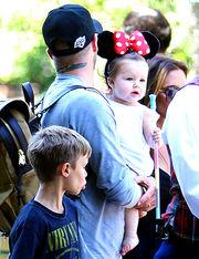 Η Χάρπερ σε τρυφερές στιγμές με τον μπαμπά της από την ημέρα της γέννησής της μέχρι σήμερα! (φωτογραφίες)