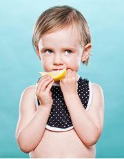 Οι πιο όμορφες... ξινές φατσούλες μωρών που δοκιμάζουν λεμόνι! (φωτογραφίες)