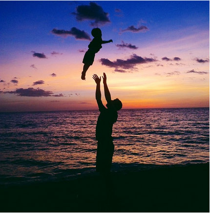 (Μ)πα(Μ)παράτσι: 20+1 τρυφερές φωτογραφίες μπαμπάδων με τα παιδιά τους