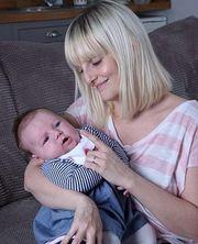 Ένα μωρό με τρεις μαμάδες!