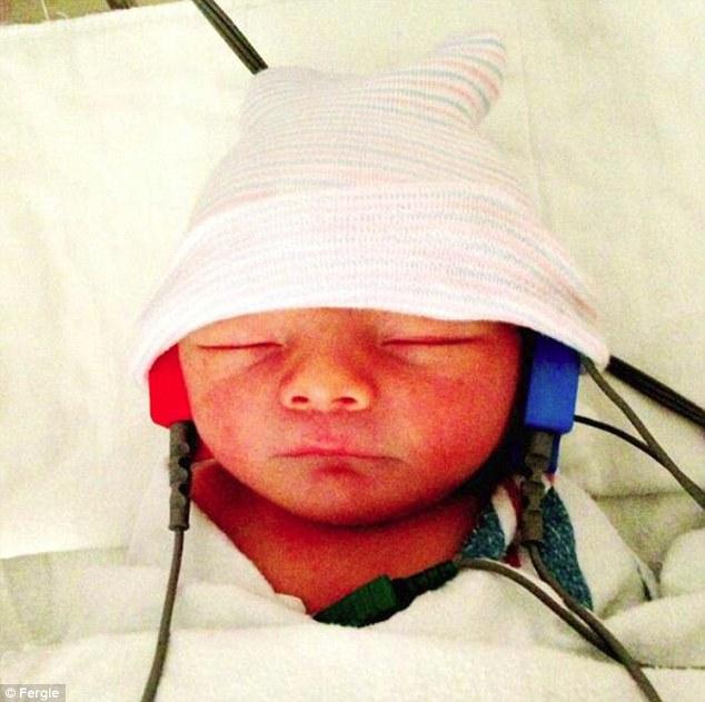Ποιο διάσημο ζευγάρι πόσταρε το νεογέννητο μωρό του στα social media;