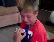 Αγοράκι βρήκε το χαμένο του παιχνίδι τρία χρόνια μετά! (βίντεο)