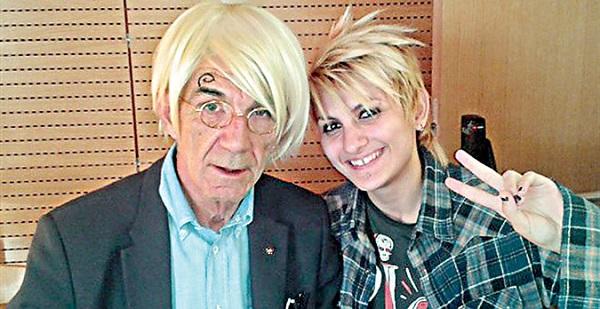 Είναι τρελός ο δήμαρχος! Ο Γιάννης Μπουτάρης μεταμφιέστηκε σε κόμικ! (φωτογραφία)