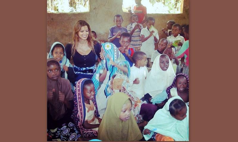 Η γλυκιά φωτογραφία της Σταματίνας Τσιμτσιλή με δεκάδες παιδιά γύρω της!
