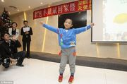 Η ιστορία του 6χρονου αγοριού με τα γυάλινα μάτια που συγκλόνισε τον κόσμο! (βίντεο, εικόνες)