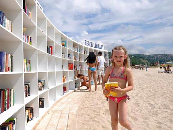 Δείτε την πιο «γλυκιά» υπαίθρια βιβλιοθήκη της Ελλάδας!