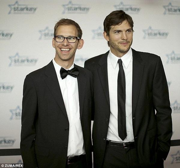 «Τι μου θυμίζεις...»! Δείτε τα αδέλφια των πιο διάσημων σταρ του Χόλιγουντ! Μοιάζουνε; (φωτογραφίες)