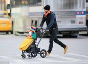 Δείτε πώς εμφανίστηκε η κόρη του Μπέκαμ, Χάρπερ την ημέρα του χιονιά! (εικόνα)