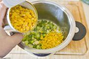 Βελούδινη σούπα καλαμποκιού από τον Γιώργο Γεράρδο