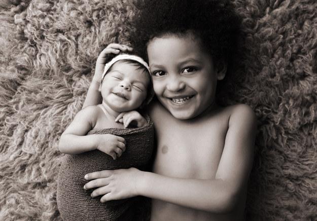 23 φωτογραφίες με αδέλφια που θα σας κάνουν να θέλετε κι άλλο παιδί!