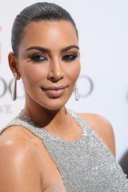 Kim Kardashian West  Σύμφωνα με το περιοδικό Parents, η γνωστή τηλεπερσόνα γέννησε τη North πέντε εβδομάδες νωρίτερα απ'ότι περίμενε!