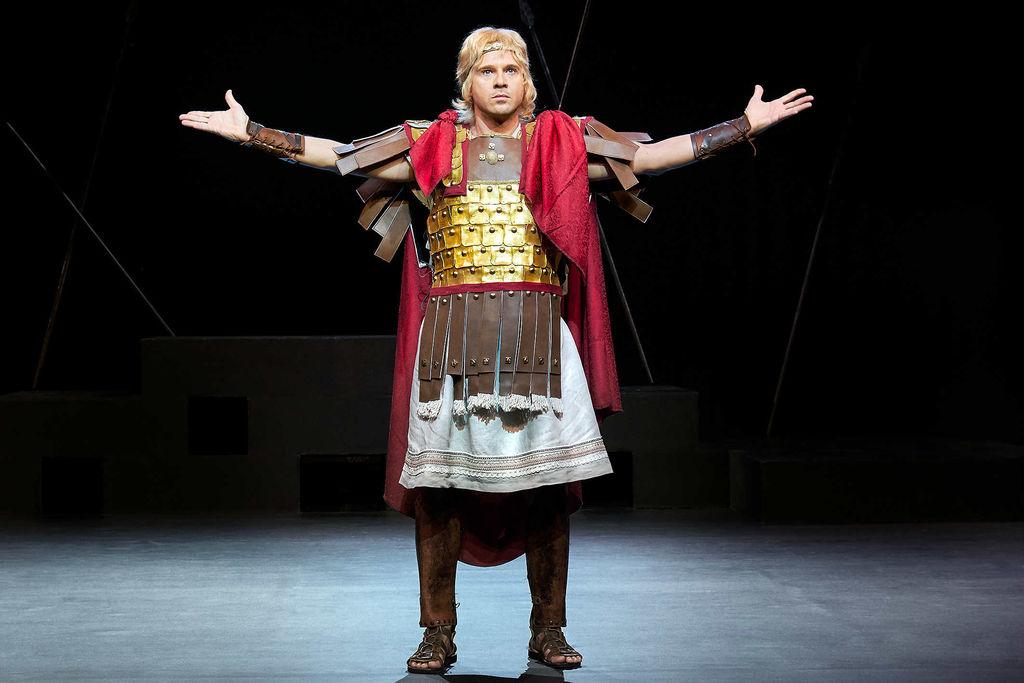 «Μέγας Αλέξανδρος» στο «ΘΕΑΤΡΟΝ»: Παράταση παραστάσεων μέχρι και την Κυριακή των Βαΐων