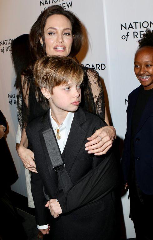 Shiloh Jolie Pitt: Δείτε τις πρώτες φωτογραφίες μετά το ατύχημα που είχε